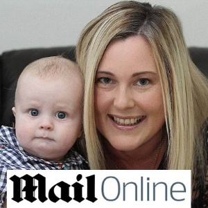 Tracey comemora o nascimento do filho George - Reprodução/Daily Mail