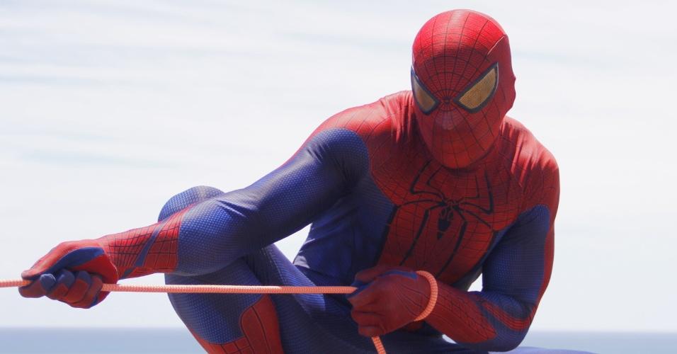 """7.fev.2015 - Homem-Aranha abre desfile do bloco """"Enquanto Isso na Sala de Justiça"""", em Olinda"""