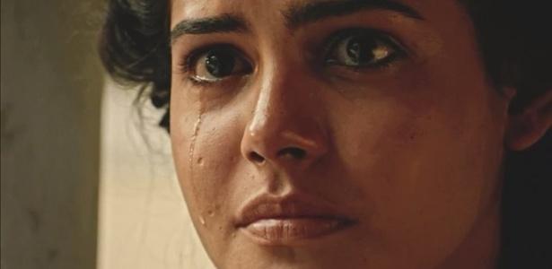 """Em """"Velho Chico"""", Tereza chora ao flagrar Santo e Luzia - Reprodução/Gshow"""