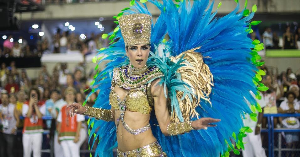 04.mar.2017 - A apresentadora Luciana Gimenez, destaque da Grande Rio, no desfile das campeãs, no Rio