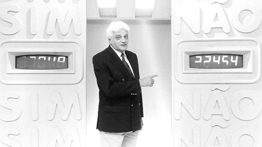 """Walmor Chagas apresentou o """"Você Decide"""" em 1992"""