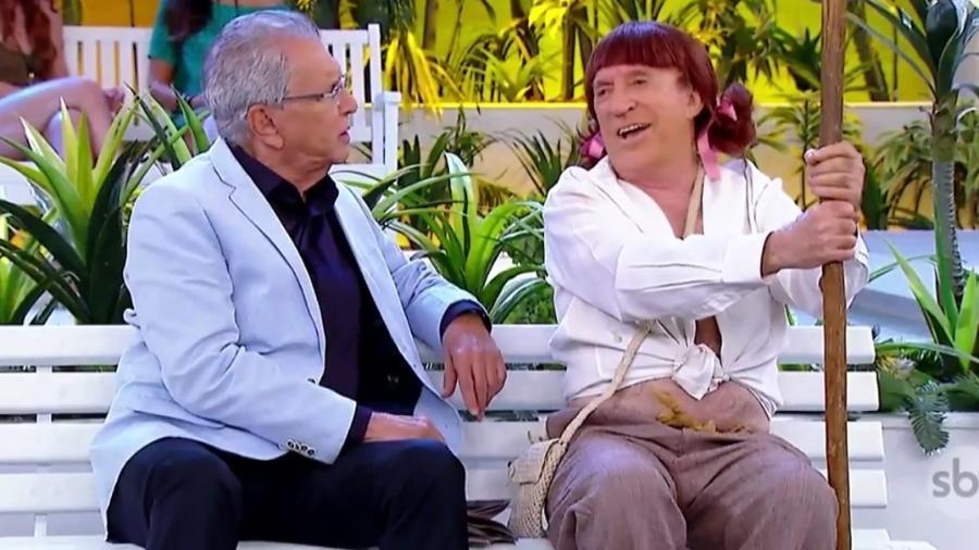 """Carlos Alberto de Nóbrega ao lado de Moacyr Franco durante gravação de """"A Praça é Nossa"""" - Reprodução/SBT"""