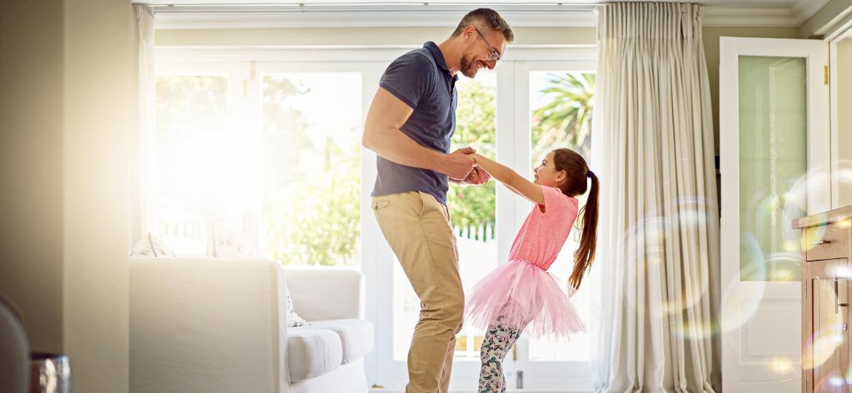 Entenda como você pode contribuir para que sua filha seja uma mulher forte no futuro - Getty Images
