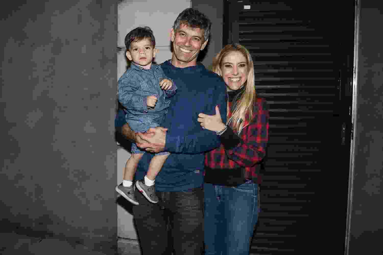 A empresária Dani Zurita com o marido Léo Queiroz e o filho do casal, Luca - Manuela Scarpa/Brazil News