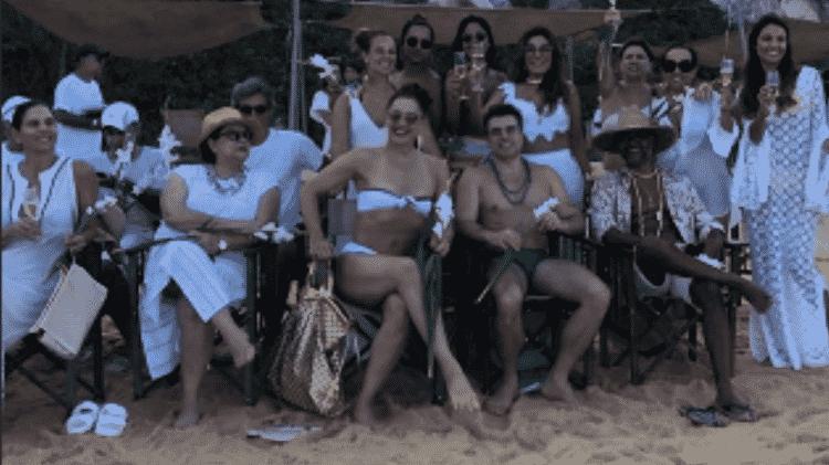 Claudia Raia e Jarbas Homem de Mello (sentados) e Paolla Oliveira (atrás, de pé) - Reprodução/Instagram - Reprodução/Instagram