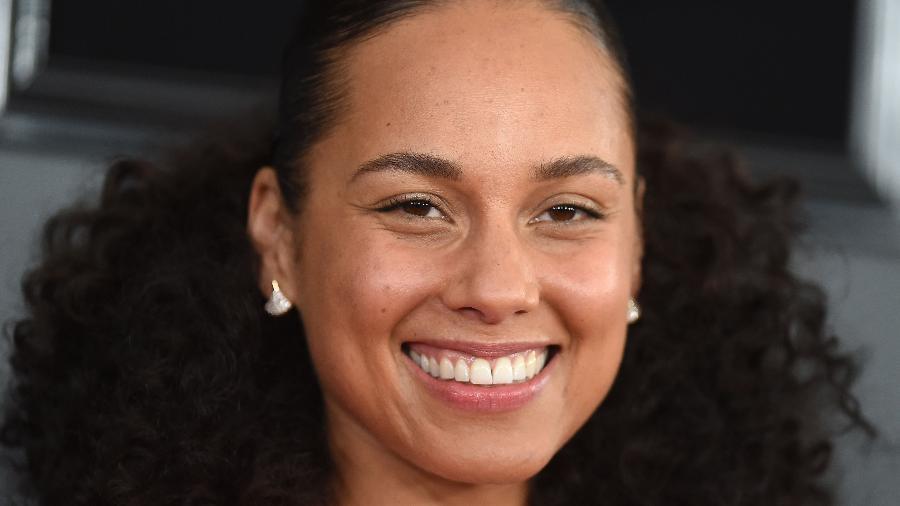 Há quatro anos, Alicia afirmou que não usaria mais maquiagem nos eventos. - Valerie Macon/AFP
