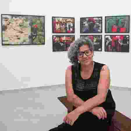 Ana Clara Fernandes em sua exposição - Arquivo Pessoal