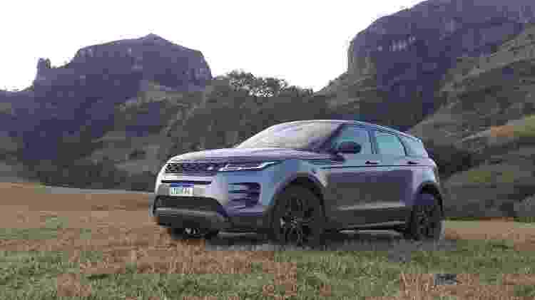 Land Rover diz que apenas as dobradiças das portas são as mesmas do antigo Evoque - Vitor Matsubara/UOL