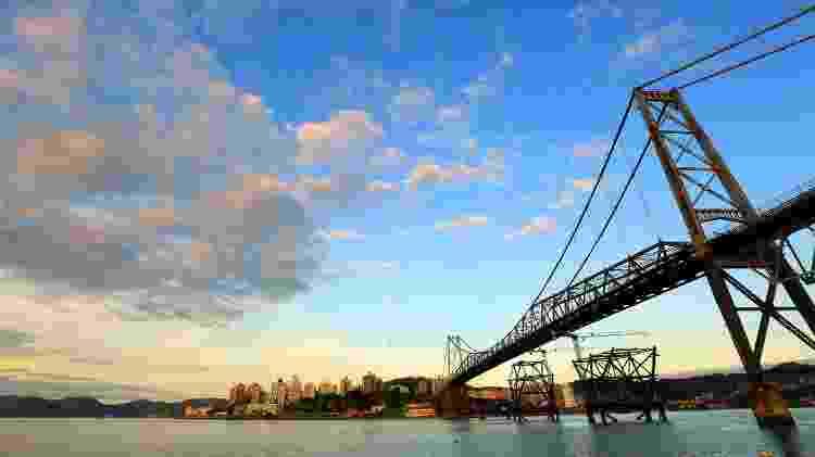 A reabertura da Ponte Hercílio Luz anima moradores e turistas - Divulgação