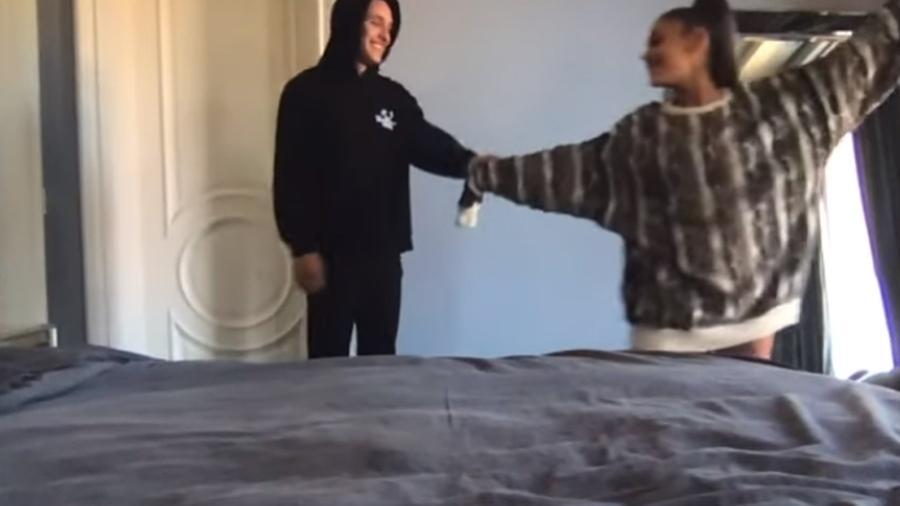 Ariana Grande aparece com novo namorado em clipe com Justin Bieber - REPRODUÇÃO/YOUTUBE