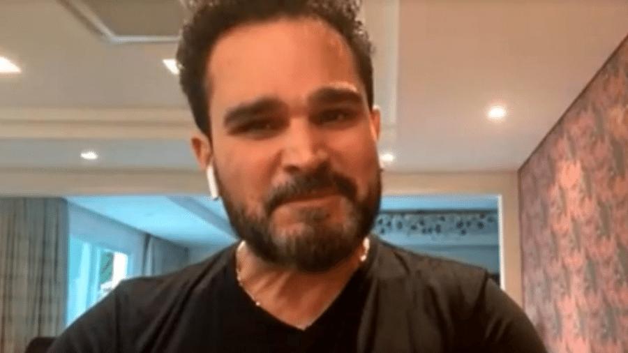 O cantor Luciano se emociona ao falar do pai no progrma É De Casa, da TV Globo - Reprodução/TV Globo