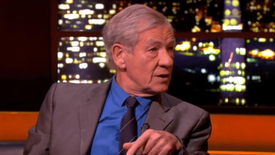 Ian McKellen fala sobre relação com os pais em talk show - Reprodução/YouTube
