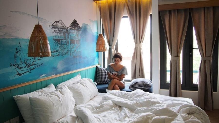 Hostel Lub d Cambodja Siem Reap, no Camboja. Uma das muitas camas retratadas na viagem de Marina - Reprodução/Instagram@role_delas