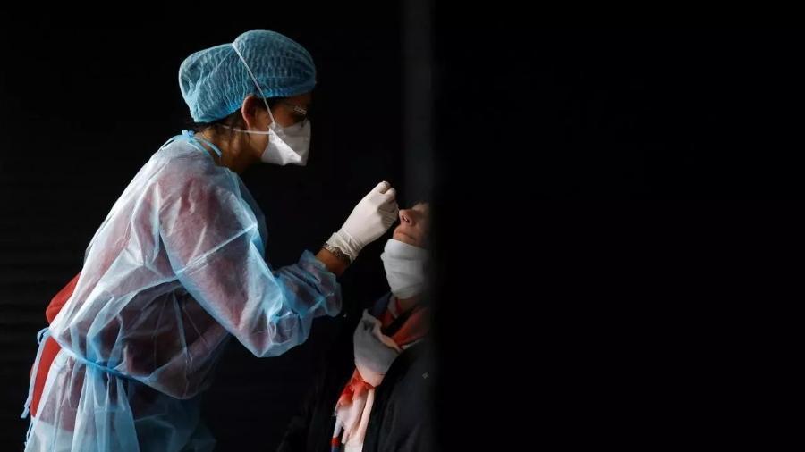 Atualmente, a França já recomenda uma injeção a mais para pacientes imunodeprimidos - Reuters