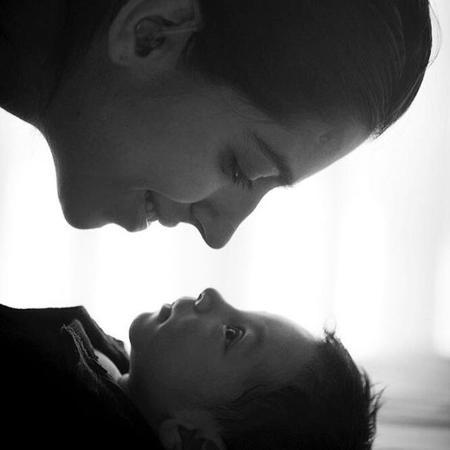 Regina Casé apresenta o neto Brás, filho de Benedita Zerbini - Reprodução/Instagram