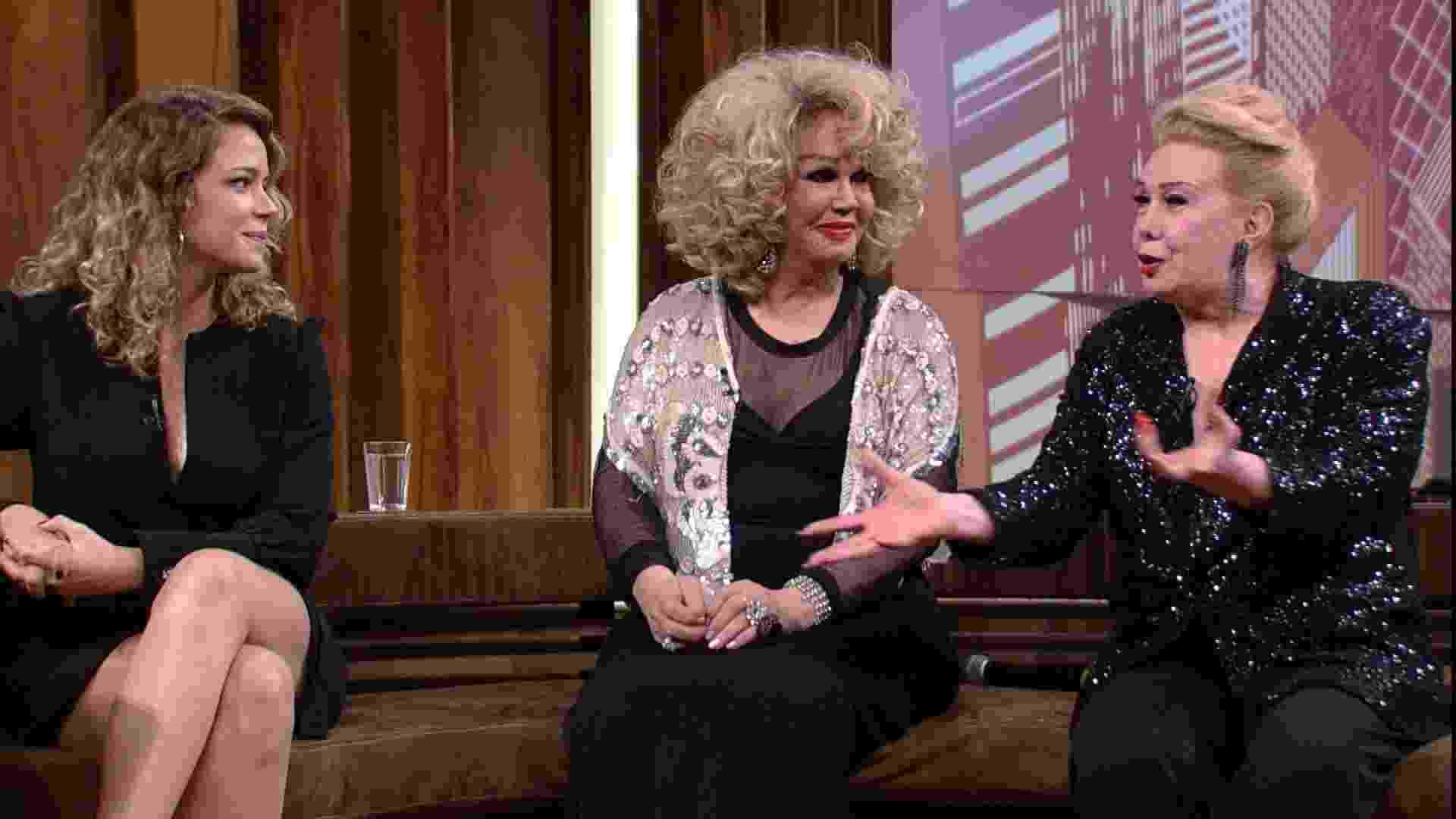 """No """"Conversa com o Bial"""", de 2017, Rogéria falou ao lado de Jane di Castro e da diretora de """"Divinas Divas"""", Leandra Leal, sobre o trabalho como atriz e ser trans nos anos 70 - Divulgação/Rede Globo"""