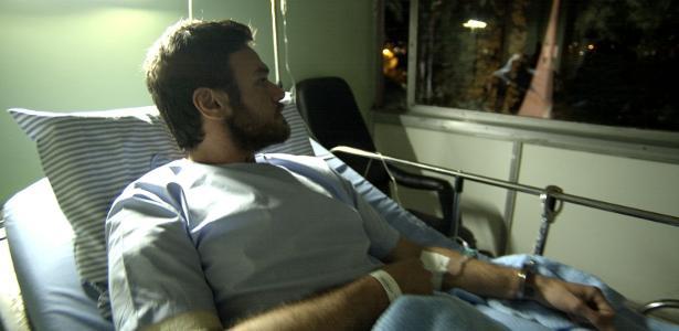 """Rubinho (Emilio Dantas) no hospital em """"A Força do Querer"""""""