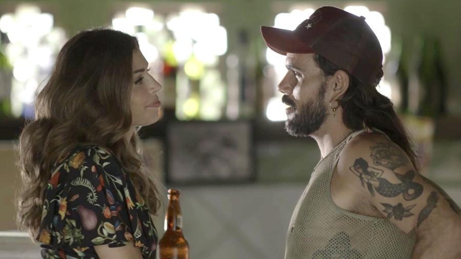 """Lívia (Grazi Massafera) e Mariano (Juliano Cazarré) em """"O Outro Lado do Paraíso"""" - Reprodução/GShow"""