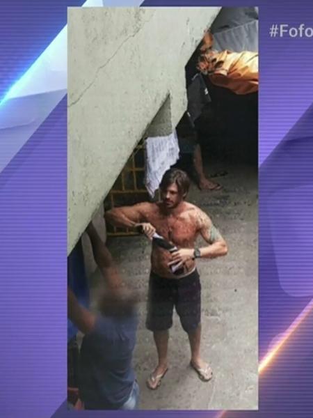Imagem de Dado Dolabella preso no 33º DP, em Pirituba, zona norte de São Paulo - Reprodução/Fofocalizando/SBT