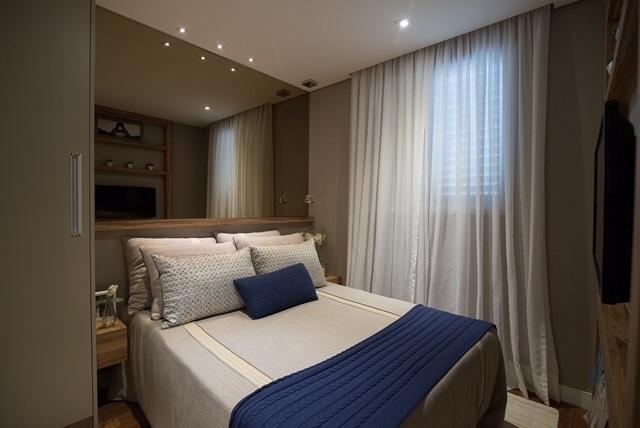 A paleta do bege entrou como um dos principais recursos usados pela arquiteta Giselle Macedo e a designer de interiores Patrícia Covolo para trazer sensação de conforto