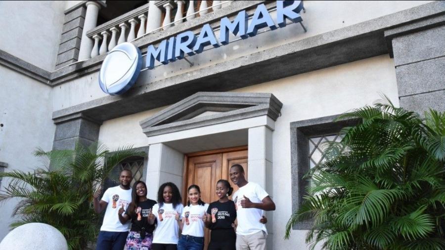 Equipe da TV Miramar, emissora de Edir Macedo, que transmite a Copa do Mundo  - Divulgação