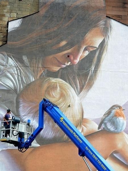 O mural, em Glasgow - Reprodução James Chapelard / SWSN