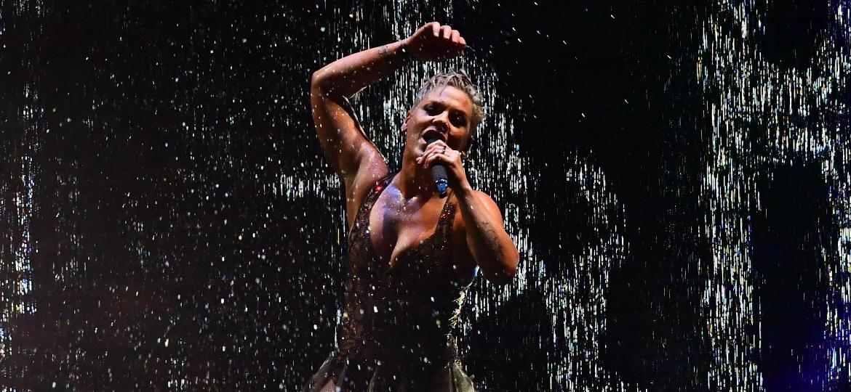 Pink em performance no Brit Awards, em Londres - Victoria Jones/PA Images via Getty Images