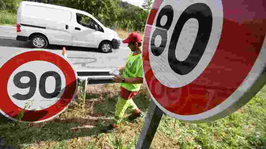 Limite de velocidade varia de acordo com o país; faz sentido vender carro capaz de ultrapassar o máximo permitido? - SEBASTIEN BOZON/AFP