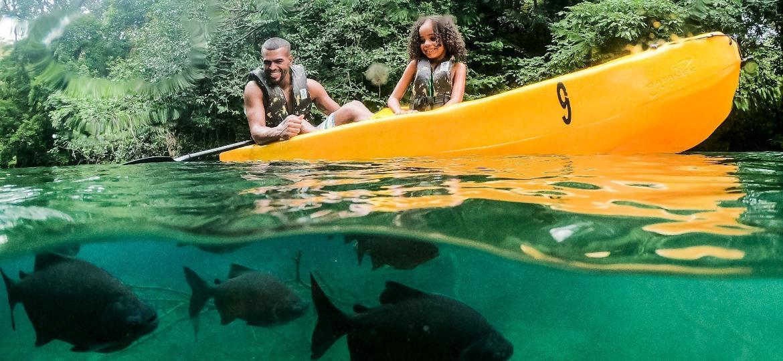 Passeio de canoa: atração no complexo do Rio Quente Resorts - Divulgação