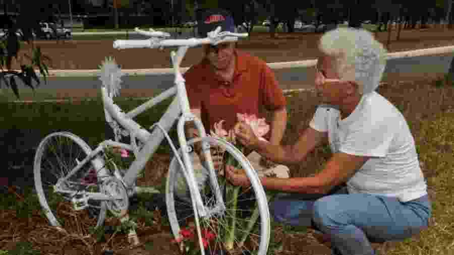 Pérsio e Maria Elizabeth, pais de Pedro, lutam pela segurança de ciclistas no país - Valter Campanato/Agência Brasil