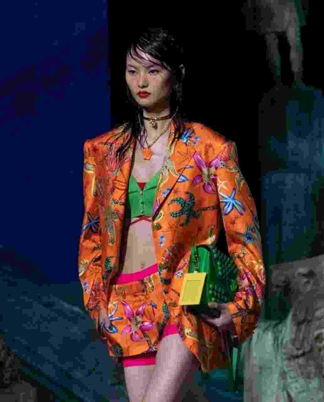 Desfile da Versace na Semana da Moda de Milão, na sexta-feira (25), trouxe o tema fundo do mar - Reprodução/Instagram