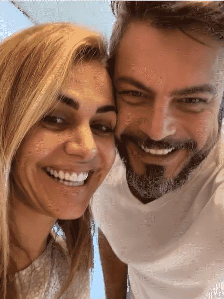 Andreia e Luigi Baricelli anunciaram em um post no Instagram que estavam prontos para a cirurgia  - Reprodução do Instagram