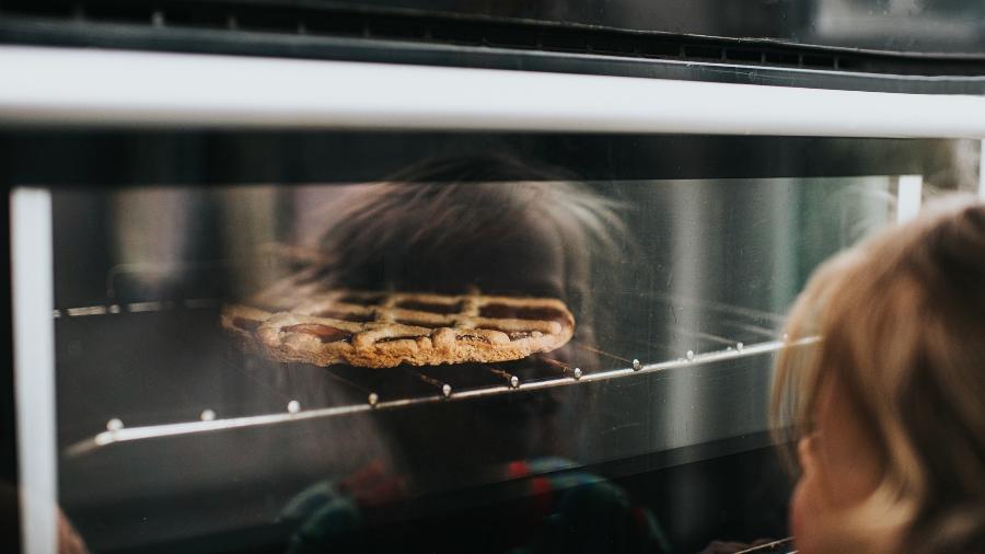 Forno quente: pode demorar para aquecer - Catherine Falls Commercial/Getty Images