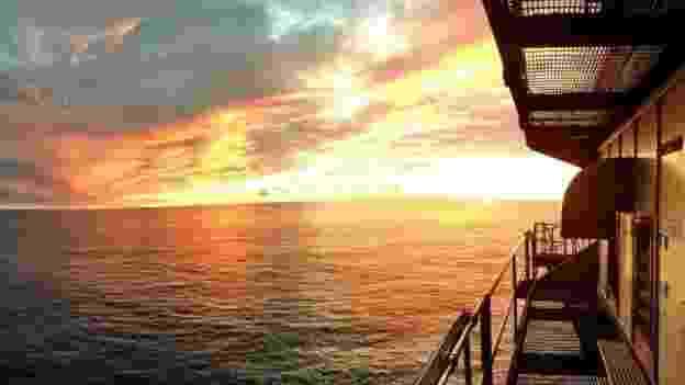 Sem um pedaço de terra à vista, pôr do sol pode ser estonteante - Frying Pan Tower LLC