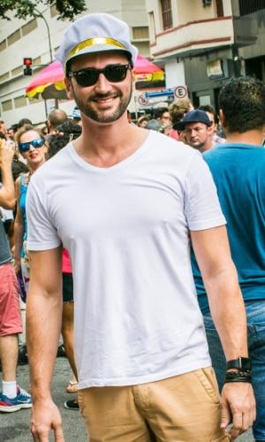 06.fev.2016 - Foliões se fantasiaram para curtir o bloco Tarado Ni Você, que desfila pelo centro de São Paulo.