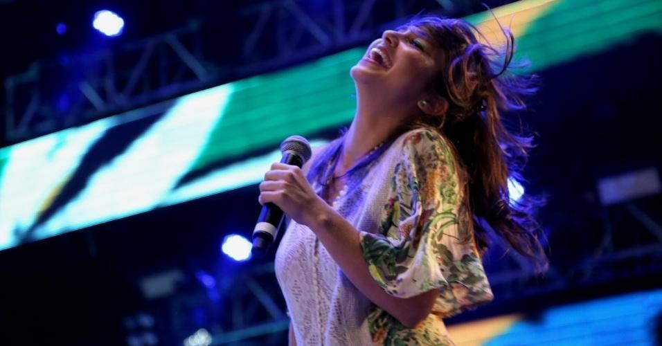 6.fev.2016 - Show de Silvério Pessoa com Flaira Ferro, no Marco Zero, no Recife