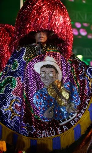 7.fev.2016 - Apresentação do Maracatu rural Piaba de Ouro, no Marco Zero, fundado por Manuel Salustiano Soares, conhecido como Mestre Salu, músico, ator, compositor e um dos grandes nomes da cultura popular pernambucana