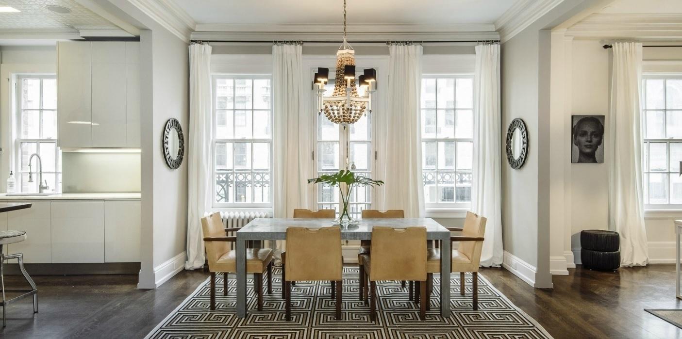 Uma Thurman colocou à venda sua cobertura, localizada em Nova York, EUA, por mais de US$ 6 milhões, cerca de R$ 22 milhões (cotação do dia 29.abr.2016). A atriz de