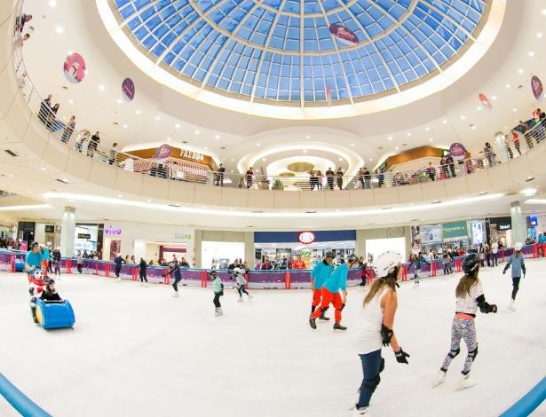Pista de patinação tem 430 metros quadrados e oferece todos os equipamentos para  quem quiser patinar - Divulgação