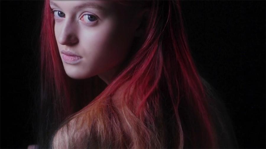 Nova tinta de cabelo muda de cor de acordo com o ambiente - Reprodução/Vimeo