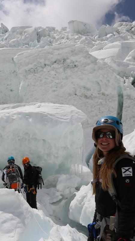 Karina Oliani subindo o Everest em 2013, pela face sul (Nepal); dessa vez ela vai subir pela face Norte (Tibete) - Pitaya Filmes/Divulgação