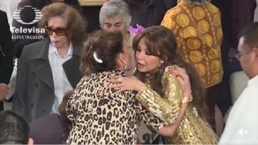 """Thalía e a irmã Laura Zapata deixaram o antigo """"ranço"""" de lado - Reprodução/Televisa"""