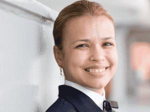 Daisy Lima da Silva, 37, comandante de um navio de cargo, com tripulação de 19 homens - Divulgação - Divulgação