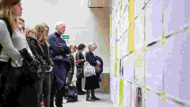O público que foi ao Southbank Centre também podia ler todos os depoimentos das 20 mulheres na íntegra na instalação - Andre Camara - Andre Camara