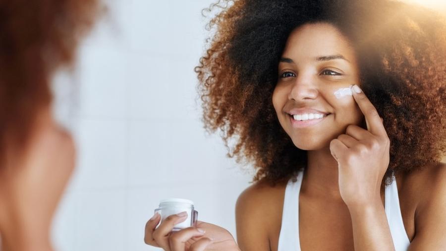Limpeza de pele caseira: como fazer uma versão segura do