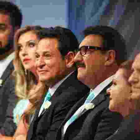 Luis Ricardo e Ratinho são padrinhos de casamento de Flavia Monteiro, bailarina de Silvio Santos, e o produtor Murilo Bordoni - Victor Silva/SBT - Victor Silva/SBT