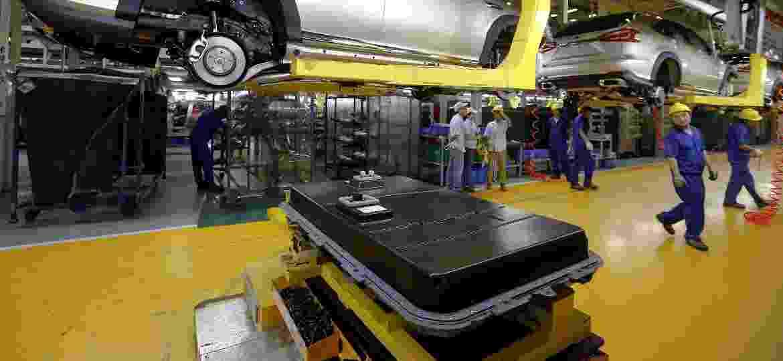 Fábrica da BYD na China: empresa se prepara para fazer baterias também no Brasil, onde faltam incentivos - Bobby Yip/reuters