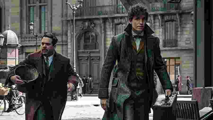 """Dan Fogler e Eddie Redmayne em cena do filme """"Animais Fantásticos e Onde Habitam"""" - Reprodução"""