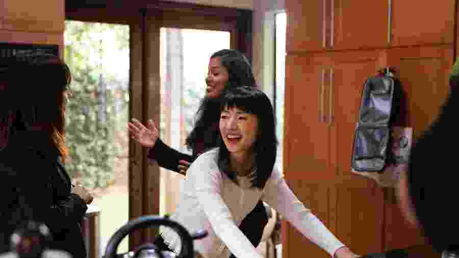 """A guru japonesa da organização Marie Kondo em cena da série """"Oredm na Casa com Marie Kondo"""" - Denise Crew/Netflix"""