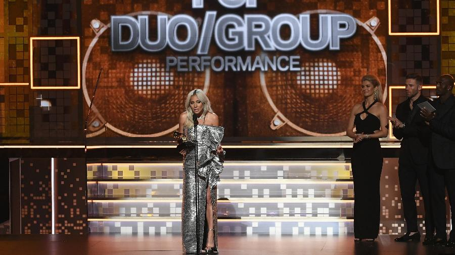 Lady Gaga recebe prêmio de melhor performance pop em duo/grupo no Grammy 2019 - Getty Images